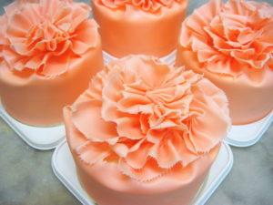 カーネーションケーキは母の日限定ケーキ