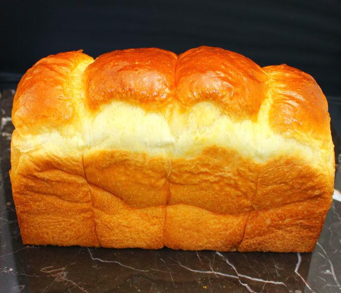 ベルジュールの人気食パンは毎朝焼いています